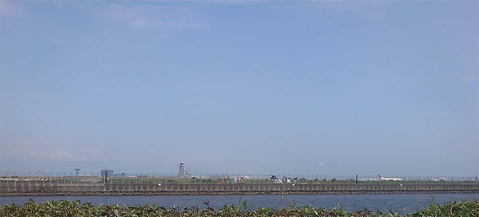 京浜島つばさ公園からの羽田空港
